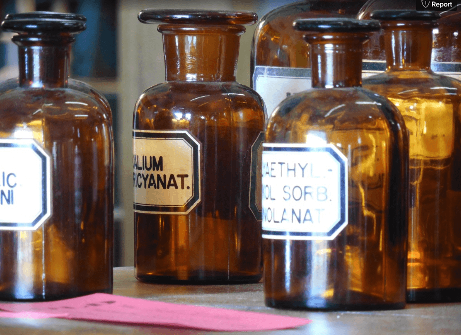 brown glas bottles used in Pharmacy
